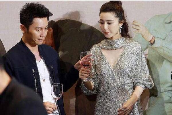 李晨范冰冰相恋三年未婚,他和女友相恋