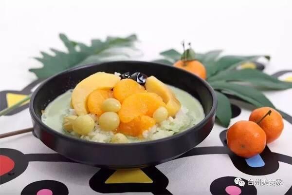榴莲八宝饭 榴莲,时令水果,牛奶,紫糯米