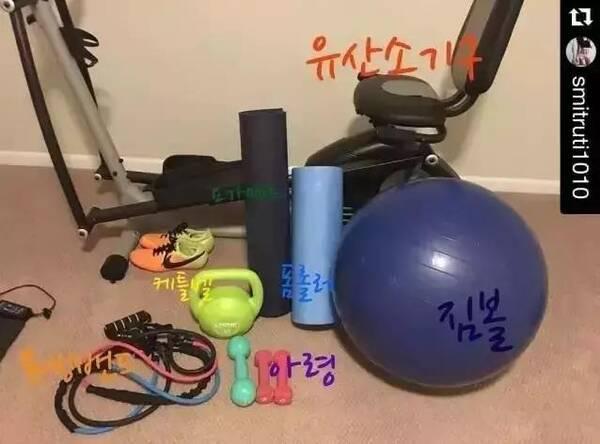 去健身房,不请教练,这个韩国辣妈带孩子v教练,竟瘦人练腿会越练越瘦吗图片