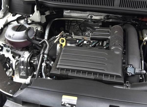 4t发动机,匹配7速dsg双离合变速箱,是大众看家的黄金动力组合.