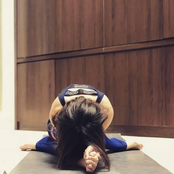 练完瑜伽,不仅让你的手臂更有力量,心也更有力量了图片