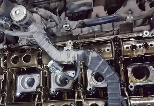 奔驰271发动机通病:凸轮轴正时故障维修图解!