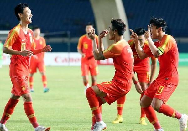 国足沙特队_而现在沙特居然如此轻视国足,在接下来的比赛中,中国队将让他们为自己