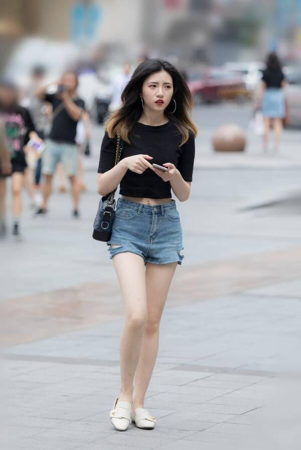 隔壁姐姐好漂亮18p_深圳街拍 高分约拍美女姐姐 图二的美女 应该可以给个