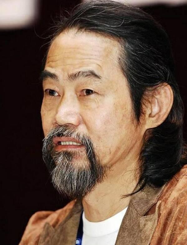 他是李小龙的御用替身,周星驰弃后被陈思诚捧红:感叹