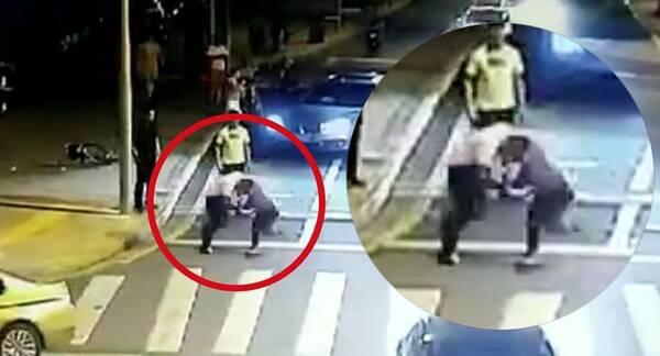 """8月27日晚 江苏昆山发生一起刑事案件 """"宝马纹身男""""刘某某 提刀追砍"""