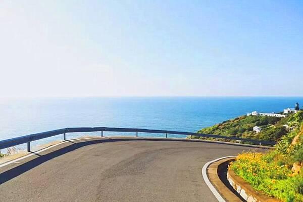 tips: 骑行攻略:公路位于嵊泗黄龙岛,山路多,需谨慎骑行.
