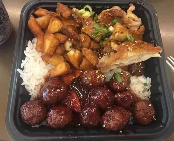 吉野家(洛杉矶加州福尼亚大学店) ucla的留学生都去过不止一次的快餐