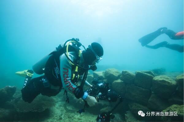 (海底村庄潜点) 仿造300多年前, 海南东北海岸发生罕见的大地震 造就