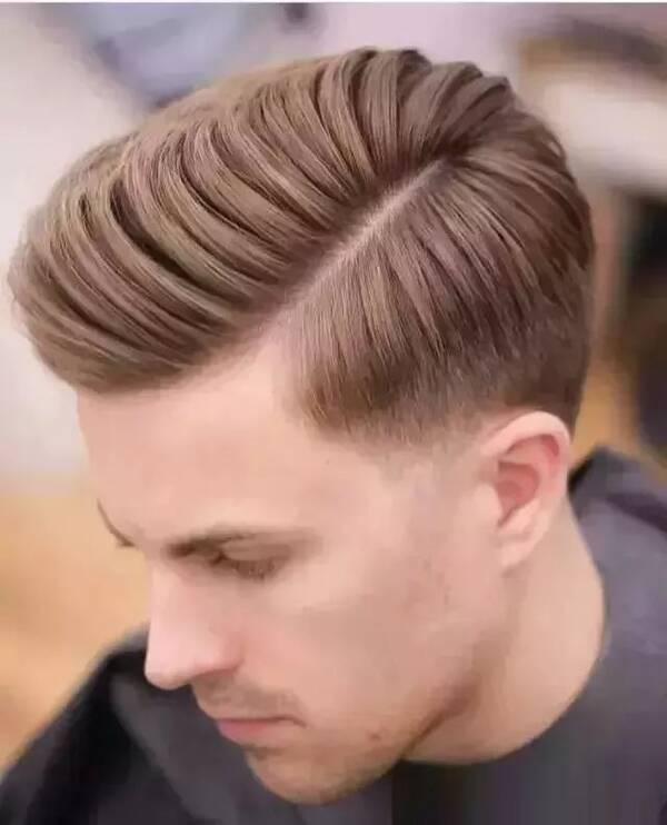 新出炉2019男士发型,也是姑娘们喜欢的男生发型!图片