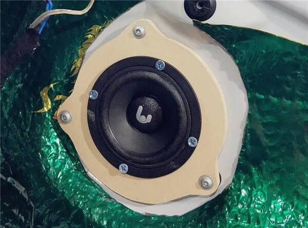 诗芬尼三分频高音,中音无损原位安装完成,链接性非常好!