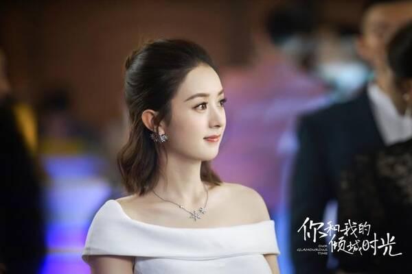 当然了,赵丽颖可萌可帅,但大部分网友更喜欢穿上西装+短发造型的林浅
