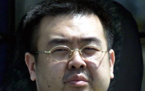 据韩国kbs电视台报道,金正男在机场前往澳门时被两名女性用湿布捂脸致死,行凶后两名女子乘坐出租车离开。马来西亚警方推测嫌疑人可能为女间谍。目前,韩国外交部和统一部均表示正在核查相关消息,无可奉告。