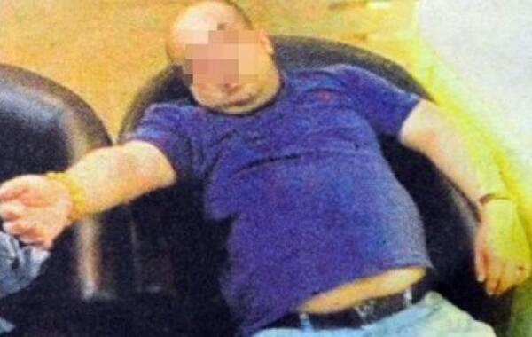 2017年2月18日报道,马来西亚传媒18日刊登一张照片,声称是金正男遇袭后,到机场诊所求助时的情况。照片可见,金正男当时可能已失去意识,半躺在椅上等待救援。照片中,他没有外伤,双眼紧闭。