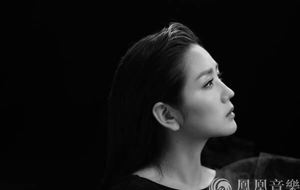 何洁《给陌生女孩的歌》:更女人的何洁,唱给依然女孩的何洁