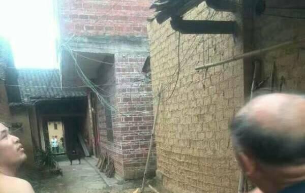 中国地震台网正式测定:07月31日17时18分在广西梧州市苍梧县(北纬24.08度,东经111.56度)发生5.4级地震,震源深度10千米。