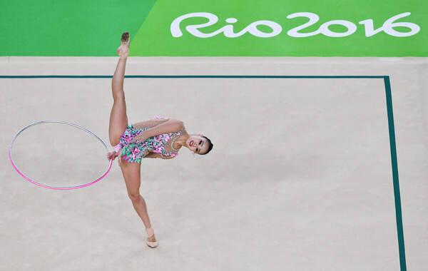 """2016年8月19日,巴西,2016里约奥运会艺术体操个人全能资格赛,有""""艺体萝莉""""之称的韩国名将孙妍在排名资格赛第五,顺利晋级。"""
