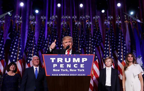 2016年11月9日,美国东部时间凌晨,北京时间下午3点,在美国竞选中获胜的特朗普发表获胜讲话。