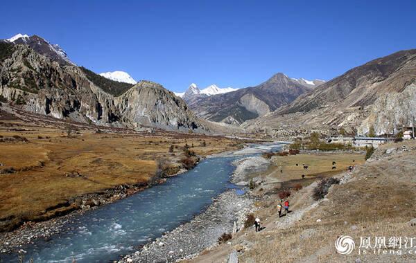 安纳布尔纳地区是尼泊尔最著名的徒步旅行区,有需要三周时间的安纳普尔纳赛道,也有历史悠久的经历三天跋涉的野马地区,可满足每个徒步旅行爱好者各种需求。
