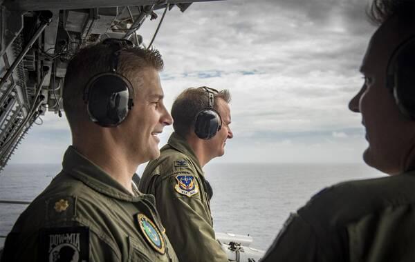据美国海军网发布的图片,美国海军卡尔·文森号已经穿越菲律宾海,抵达南海海域。