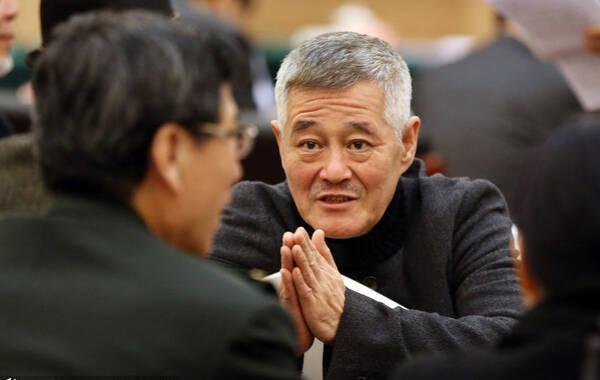 2015年3月7日,政协文艺组联组会议召开,会前,赵本山与宋祖英等委员热烈交流心情大好。