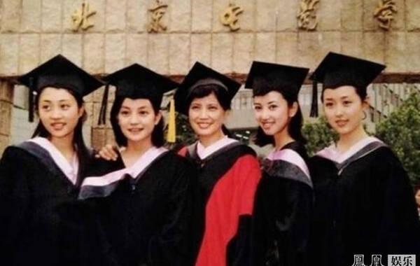 """也在拍摄中促成了北京电影学院""""96明星班""""的首次荧屏合体.图片"""