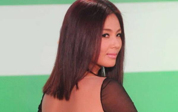 刘涛导语:时尚活动已成为女星们