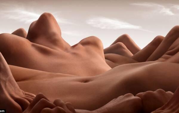 据美国《赫芬顿邮报》报道,创意十足的英国摄影师卡尔·华纳利用空间感,把裸体模特拍摄成了沙漠或山峰风景画,给欣赏者全新的审美享受。
