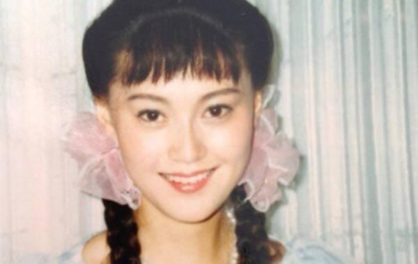 少女时期的宋佳 相貌青涩可爱