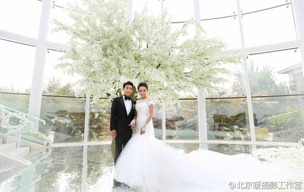 北京时间9月7日,体操名将滕海滨、张楠的婚礼在北京举行。图片来源:@LAVIN玫瑰里 @北京暖摄影工作室