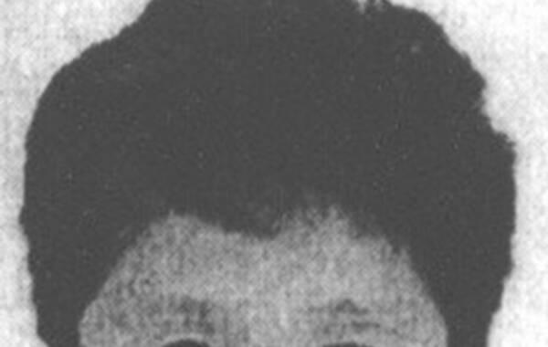 """据中纪委网站报道,按照""""天网""""行动统一部署,国际刑警组织中国国家中心局近日集中公布了针对100名涉嫌犯罪的外逃国家工作人员、重要腐败案件涉案人等人员的红色通缉令,加大全球追缉力度。图为杨秀珠,原浙江省建设厅副厅长,2003年4月出逃,可能逃往美国,涉嫌罪名贪污。"""