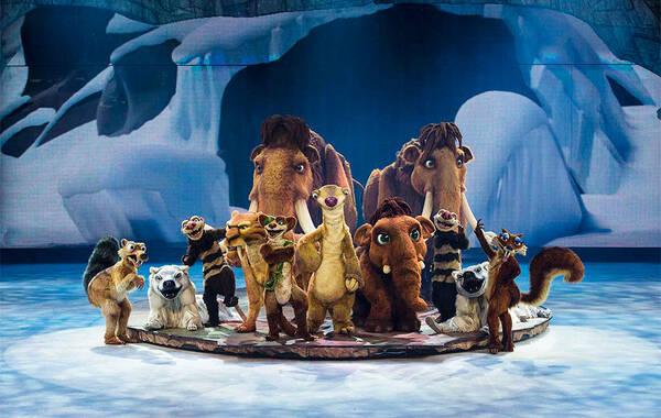 由美国好莱坞巨鳄二十世纪福斯电影公司与欧洲Stage Entertainment制作公司联合推出,中国百老汇娱乐控股有限公司与世纪飞歌国际文化传媒有限公司首次引进的大型冰上秀《冰川时代冰上秀:猛犸象大冒险》全球巡演中国站即将于8月6日在上海拉开帷幕,今日主办方发布首支中文版制作特辑,全方位向观众介绍了《冰川时代冰上秀》如何从大银幕搬上万人体育馆冰上舞台的全过程,视频不仅展现了主创们天马行空的想象力和创造力,更详细揭秘《冰川时代冰上秀》创作过程。