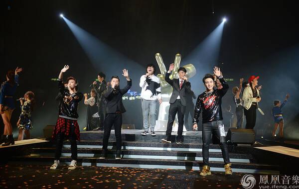 2015中国好声音香港演唱会完美落幕 四季好声音齐聚红磡