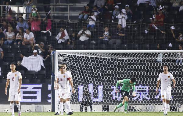 凤凰体育讯 北京时间10月9日23:00,世界杯亚洲区预选赛40强赛一场焦点在在卡塔尔多哈进行,由中国队对阵卡塔尔队。