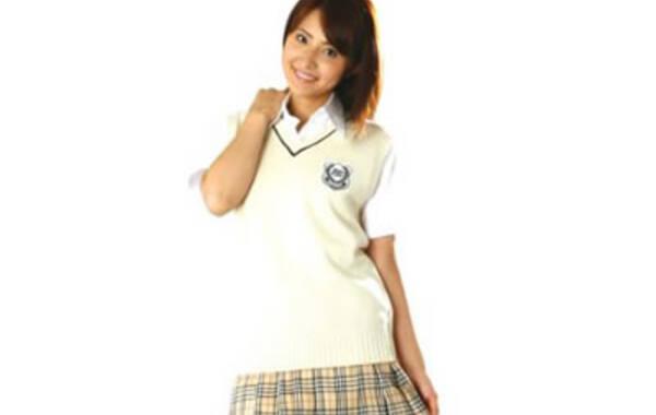 可爱中透[详细] 导语:日本女生的校服一直都是焦点