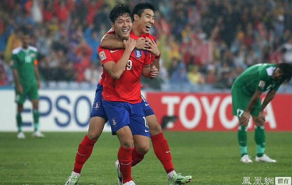 2015年1月26日,澳大利亚悉尼,2015亚洲杯半决赛,韩国2-0伊拉克。第20分钟,韩国队任意球攻势中李庭协头球破门;第50分钟,金英权外围施射折线破门。韩国队2-0淘汰了伊拉克,27年后再次进入亚洲杯决赛。本届比赛韩国队到目前为止五战全胜,而且一球不失。