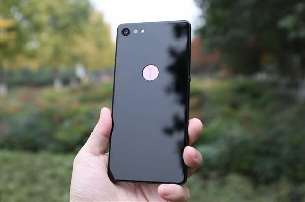 罗永浩:中国不需要第五家抄iPhone的手机公司