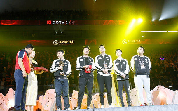 DAC亚洲邀请赛iG夺冠现场:万人高声齐呼iG