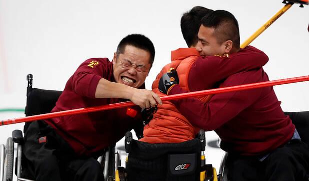 神奇致胜!中国轮椅冰壶队创两历史