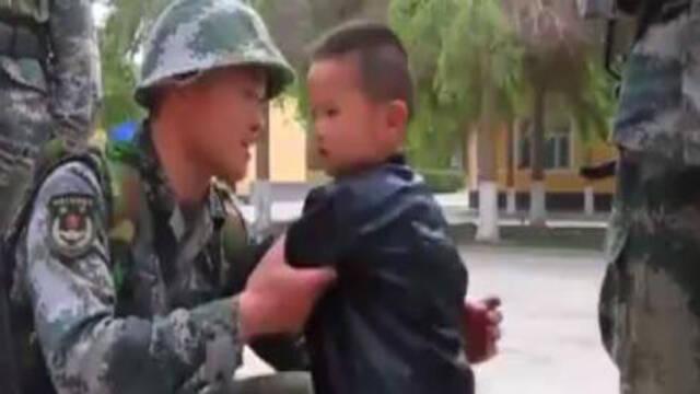 纪实:年幼的儿子来边防连找父亲 父亲却跑去巡逻边疆