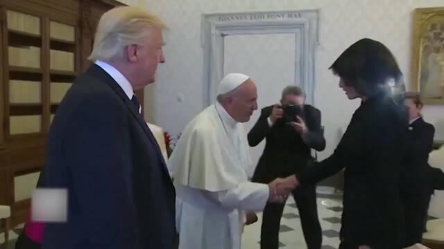 教皇打趣特朗普 问其夫人:你平时给他喂什么?