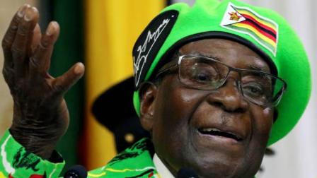 津巴布韦律师:穆加贝拉拢军人干政 最终自食其果
