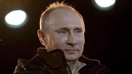 视频:普京参选总统 台下工人欢呼