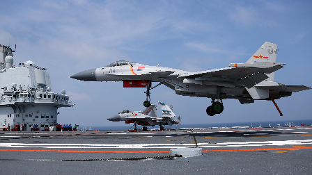 中国舰载机迈向新时代 主力歼-15能否继续扛大旗!