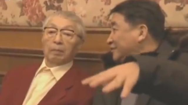 视频:唐杰忠生前最后一次露面 八字劝世令人动容