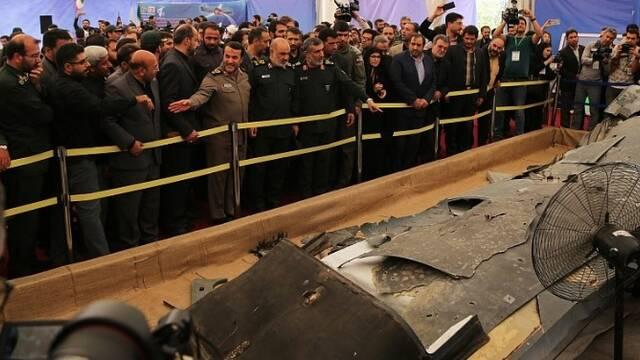 伊朗给击落的美无人机办了个展