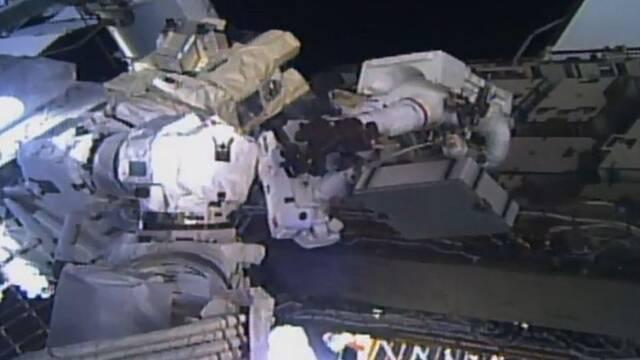 人类首次全女性太空行走