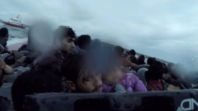 非法移民船只倾覆现场