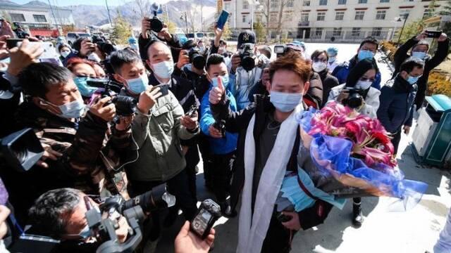 西藏唯一確診患者治愈出院