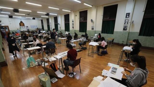 特写:疫情下的香港升学考试